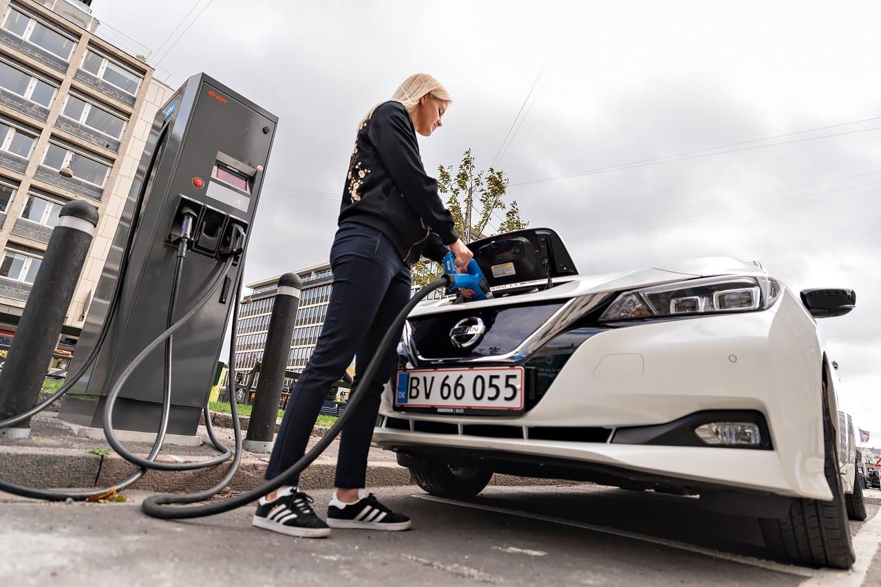 Bekendtgørelse om krav til offentligt tilgængelig infrastruktur for fossile brændstoffer og alternative drivmidler m.v.